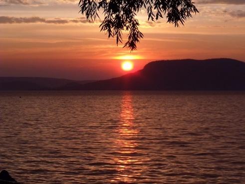 badacsony lake balaton sunset