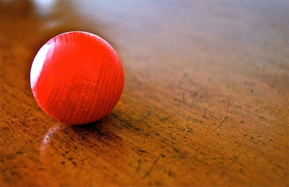 ball roll red