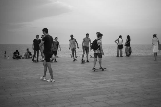 barcelona beach walk