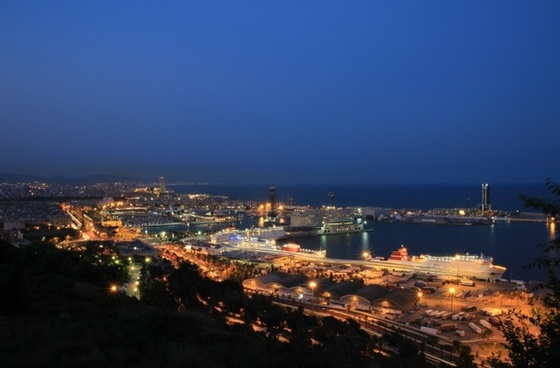 barcelona port blue hour