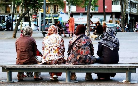 barcelona religion the head scarf