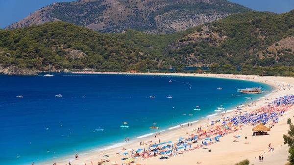 bay beach blue