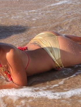 beach bikini girls