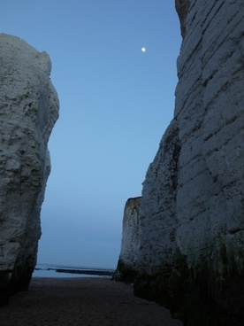 beach chalk cliff