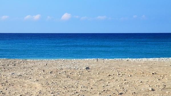 beach holiday hot