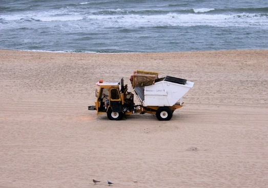 beach sand cleaning truck