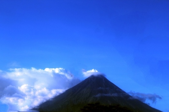 beautiful image of mayon volcano