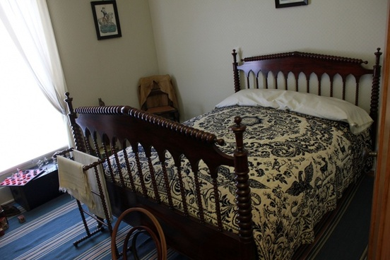 bedroom bed in lincoln home in springfield illinois