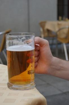 beer drink a pint