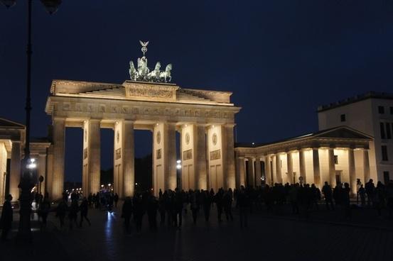 berlin brandenburg gate night