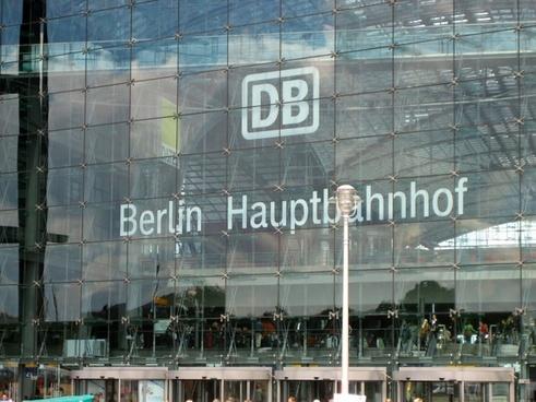 berlin central station glass facade