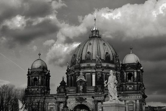 berlin dom capital