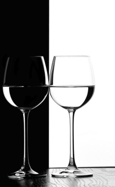 black and white red wine picture