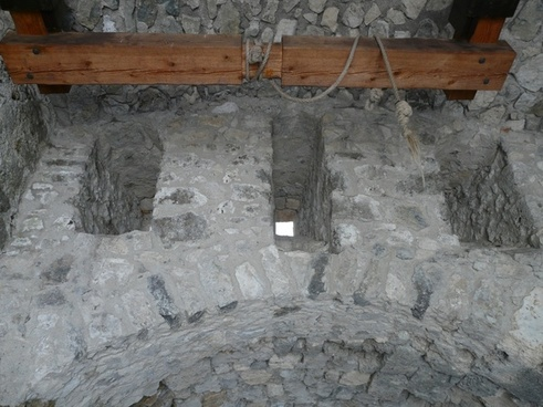 blanket vault cable