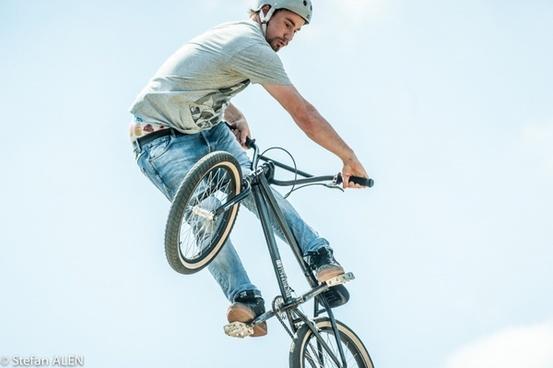 bmx sports jumping