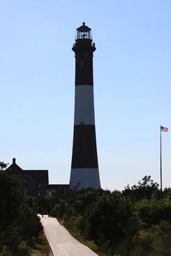 boardwalk to lighthouse
