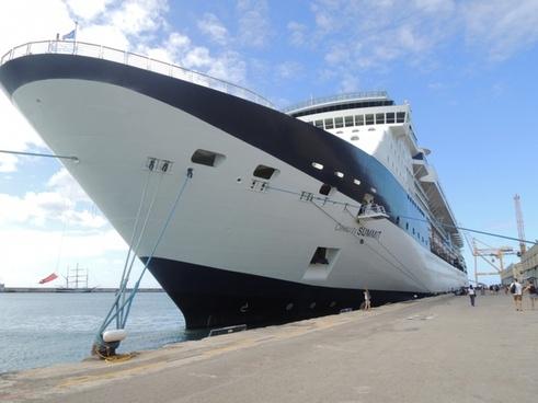 boat cruise ship