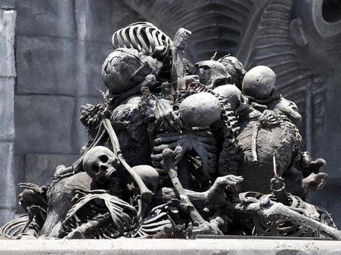 bone pile skull frame