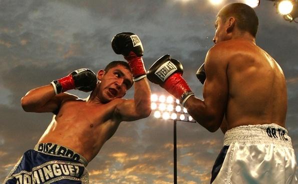 box boxing match uppercut