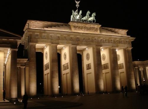 brandenburg gate berlin building