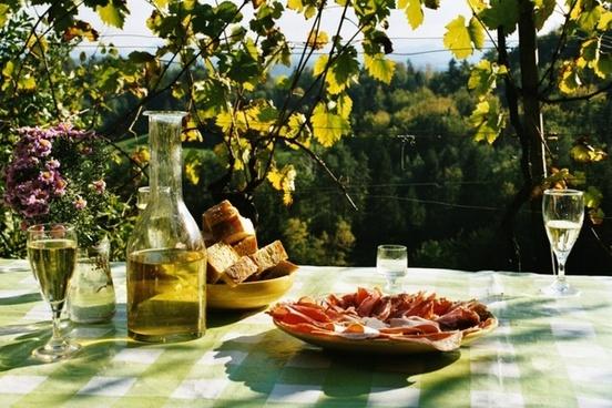 break eat picnic