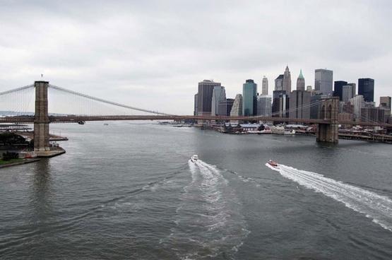 brooklyn bridge boat