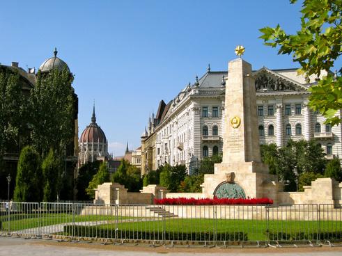 budapest szabadsag square