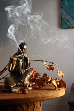 buddha statue incense
