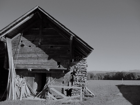 building old barn dilapidated