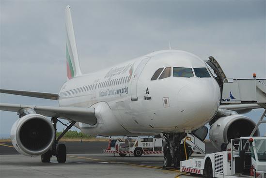 bulgaria air airbus a320 214 lz fbdpdl11072011606ab