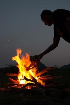 campfire fire hot