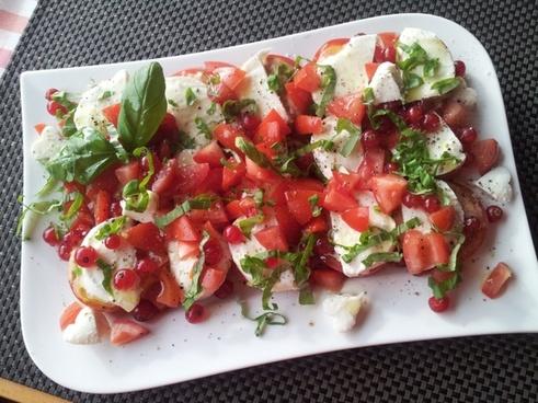 caprese salad eat