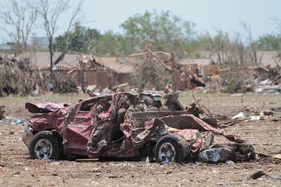 car vehicle damaged