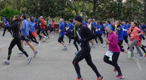 career runners jogging