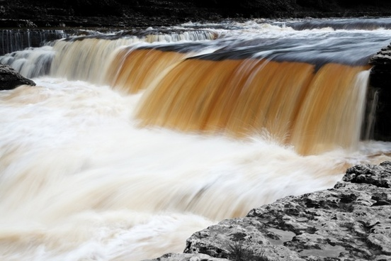 cascade flow flowing