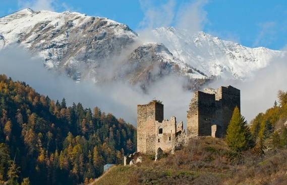 castle ruins mountains