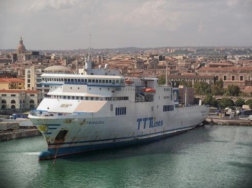 catania sicily ocean liner
