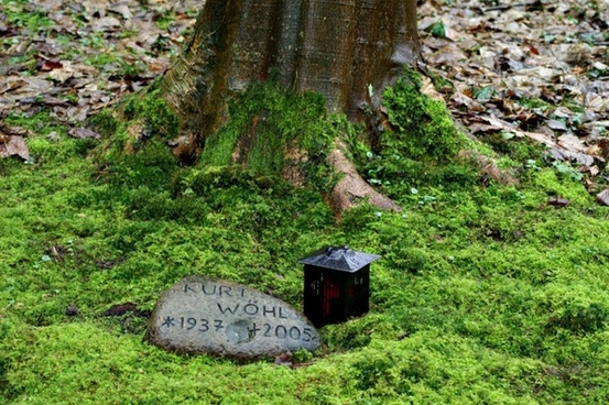 cemetery mourning death