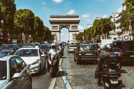 champs elysees traffic