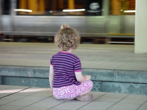child sit metro