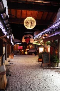 christmas lit street