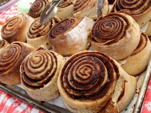 cinnamon rolls food