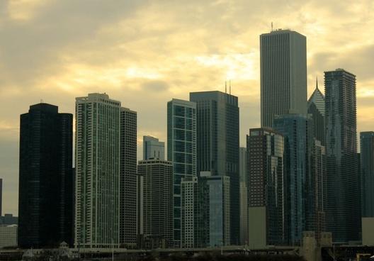 city skyline in chicago illinois