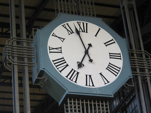 clock time of railway station
