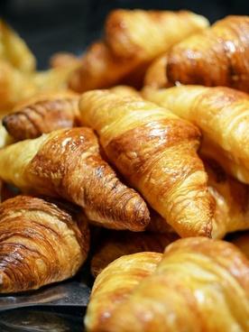 croisant bread food