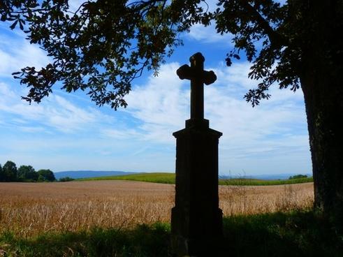 cross away crosses monument