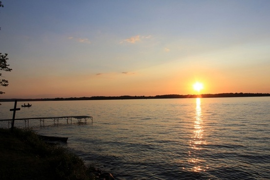 cross overlooking sunset in madison wisconsin