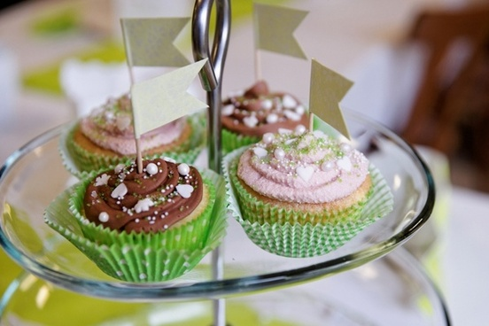 cupcakes benefit from muffin