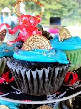 cupcakes blue coin