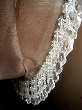 curtain drape folds